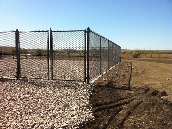 Universal fence co gates